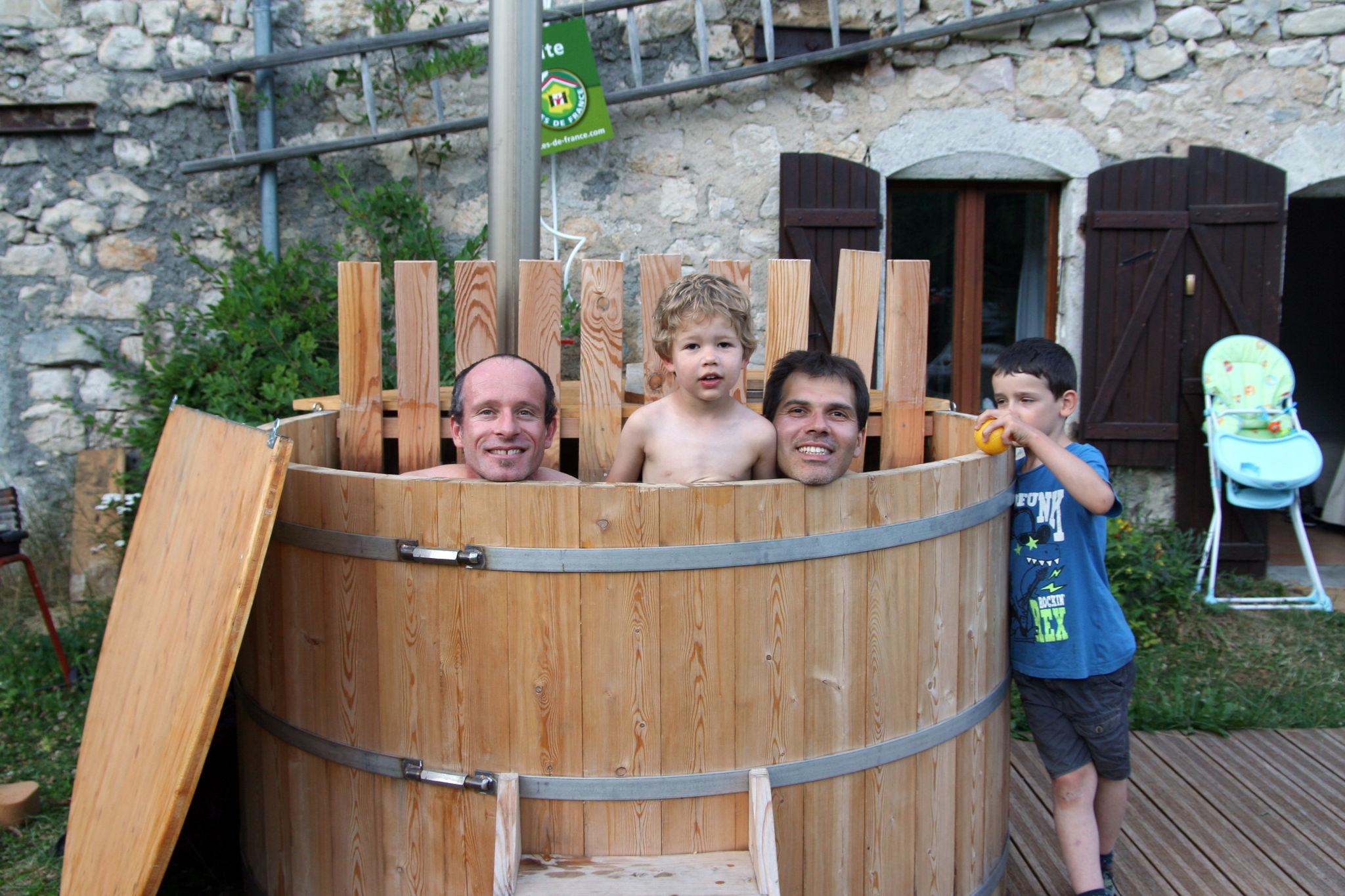 en vacances utilisation du spa a Gresse en Vercors